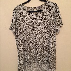 Plus Vince Camuto Spotted Hi-Lo Top